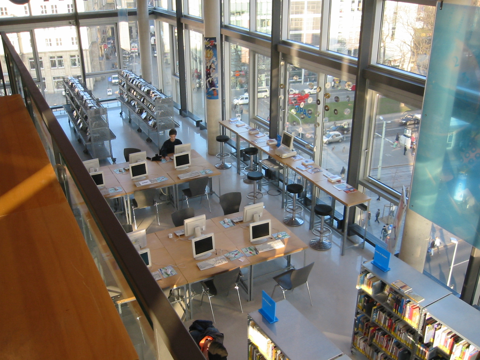 Library Patrons Slowly Discover Ebooks
