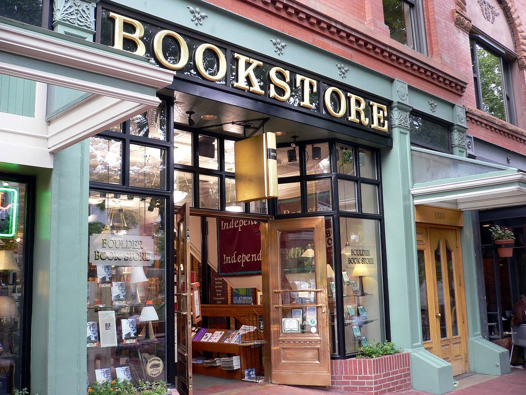 Despite Obstacles, Indie Bookstores Stage a Comeback